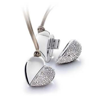 http://www.usbdirect.com.au/components/com_virtuemart/shop_image/product/Silver_Heart_520c38667e1bc.jpg